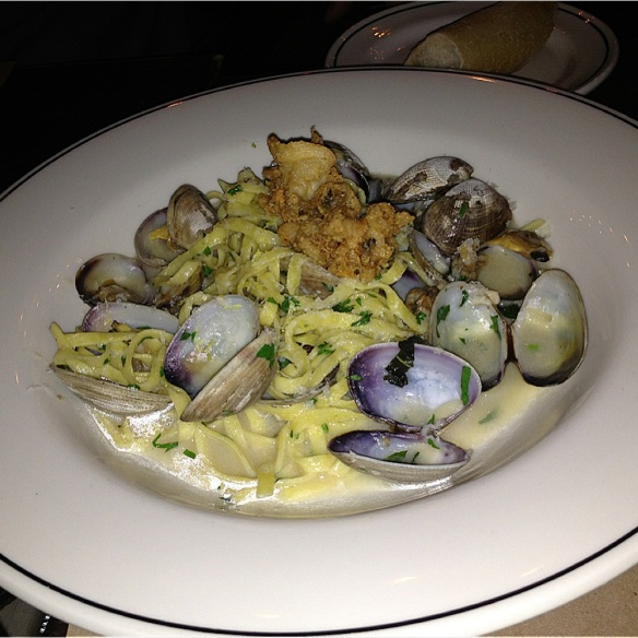 Linguini pasta with clam & garlic $22 ♥♥1/2